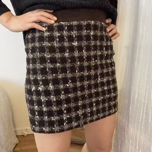 Houndstooth miniskirt in a chocolate brown color